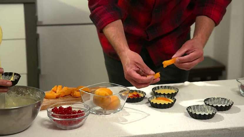 Do formiček klaďte ovoce