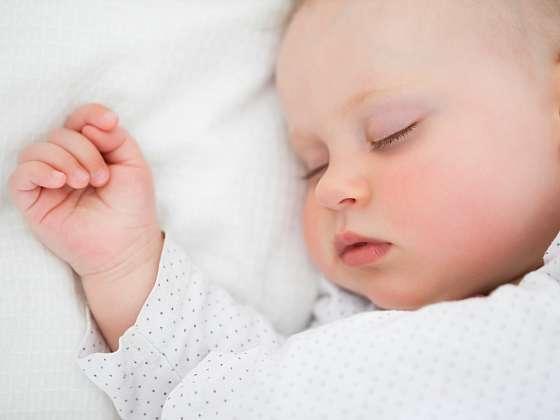Ukolébavka by měla být pohlazením dětské duše (Zdroj: Depositphotos)