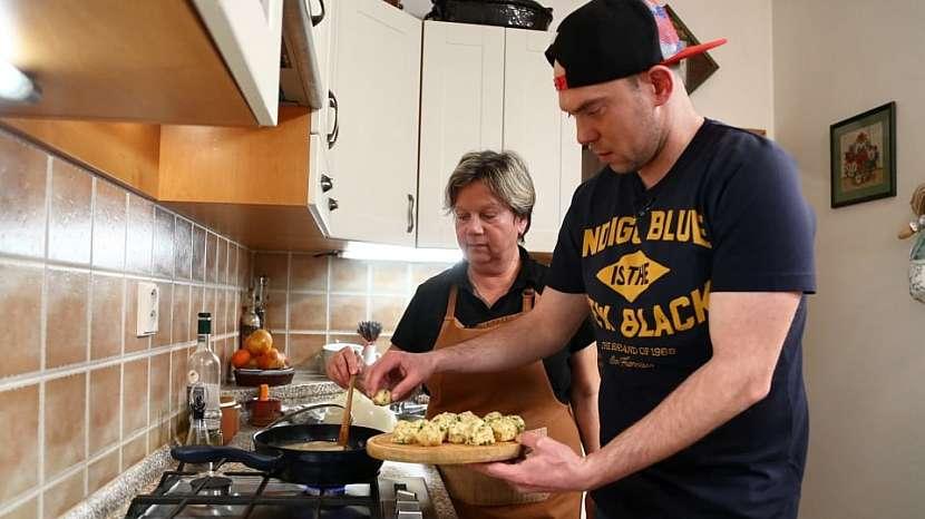 Recept na zadělávané knedlíčky s knedlíčky: vkedlubnách knedlíčky uvaříme