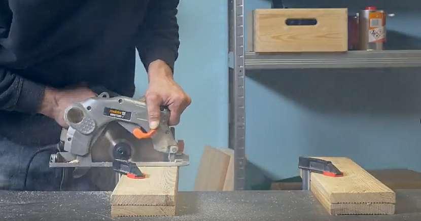 Kuchyňský dřevěný věšák: naměřte a nařežte prkna