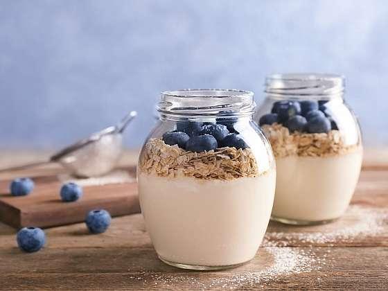 Chutné a zdravé domácí jogurty si můžete pohodlně připravit i u vás (Zdroj: Depositphotos)