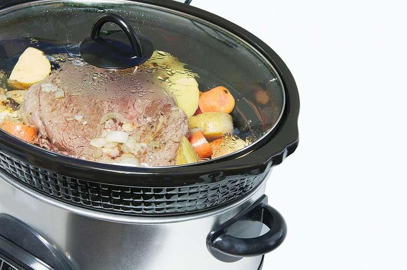 Vaření v pomalém hrnci je praktické a zdravé