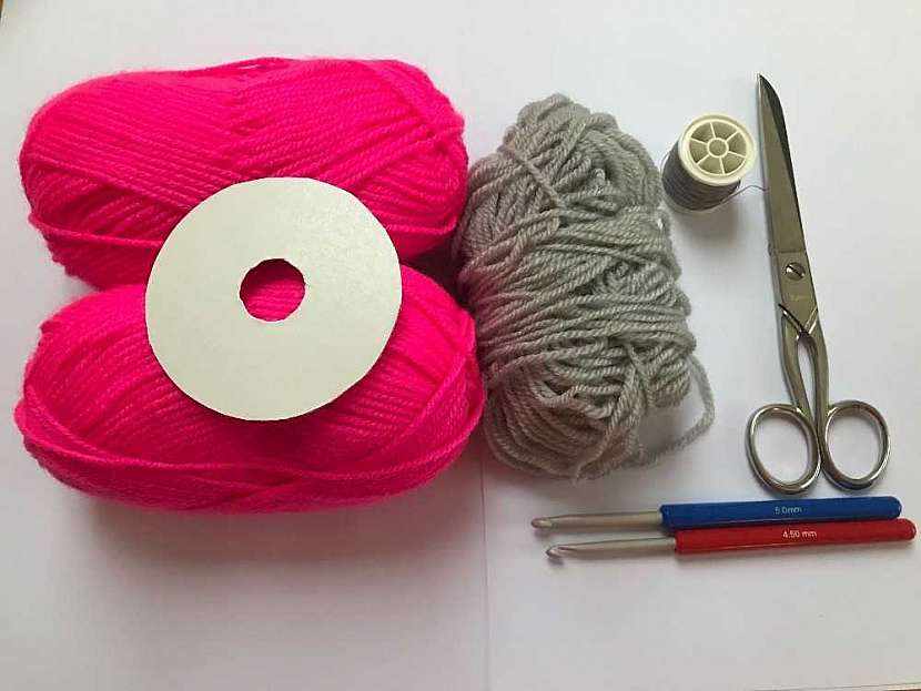 Háčkovaná čepice houmleska: co budete potřebovat