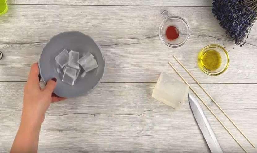 Domácí mýdlo s levandulovou vůní 2