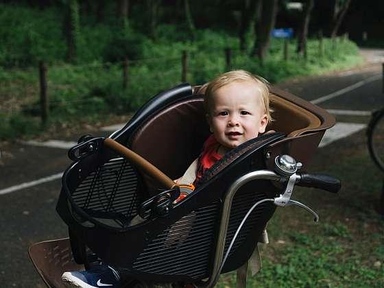 Jakou dětskou sedačku na kolo vybrat? (Zdroj: Unsplash)