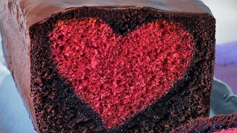 Recept na čokoládový chlebíček s láskyplným překvapením