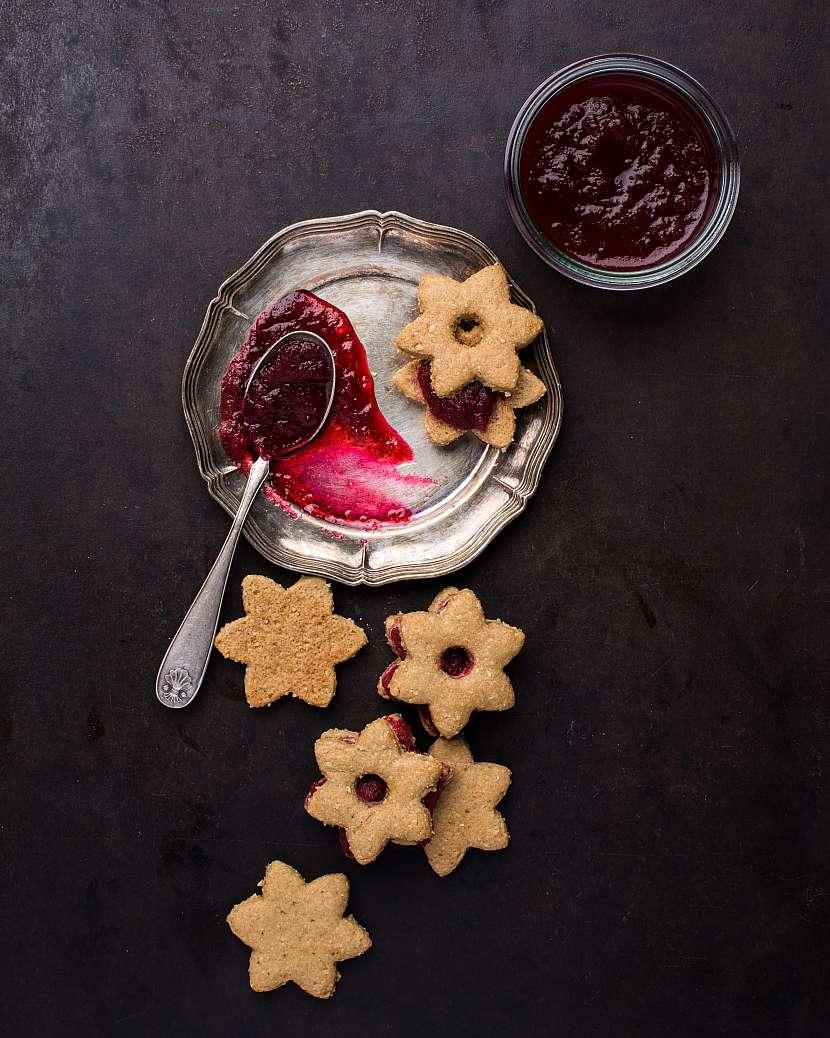 Sušenky s řepnou marmeládou