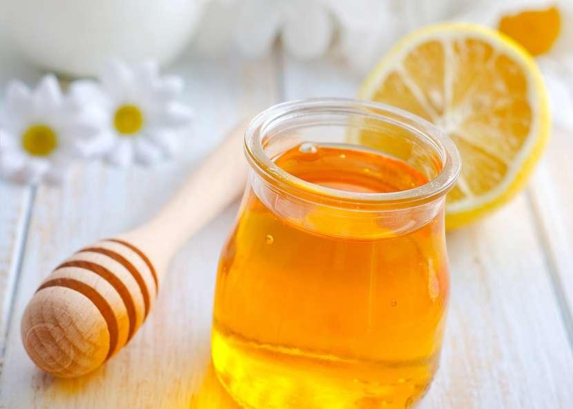 Med je nejzdravější sladidlo díky jedinečnému složení