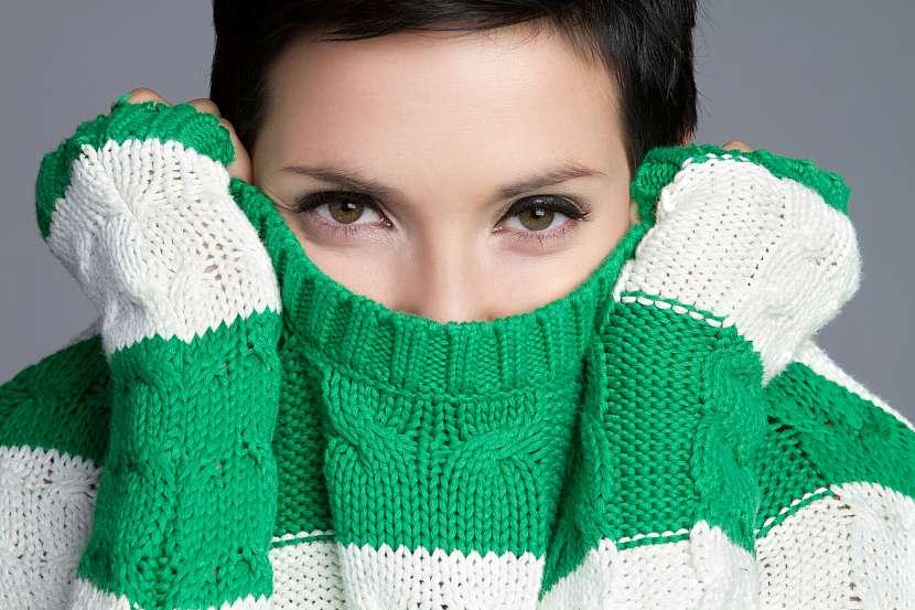 Vytahané svetry nejsou vždy žádoucí. Při zmenšování svetrů si však musíte dát pozor na to, abyste to nepřehnali