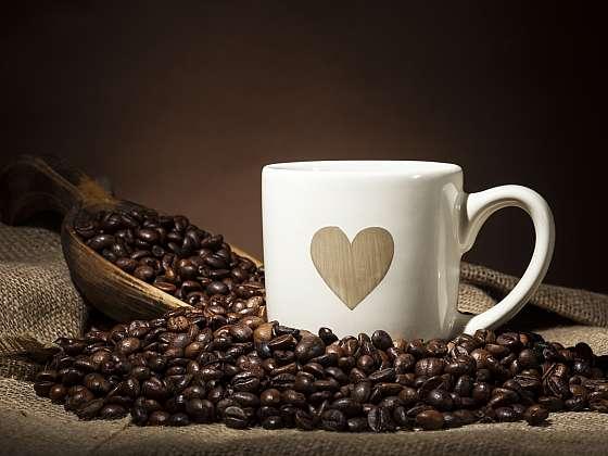 Začít den bez pořádného kafe? Nesmysl (Zdroj: Depositphotos (https://cz.depositphotos.com)(