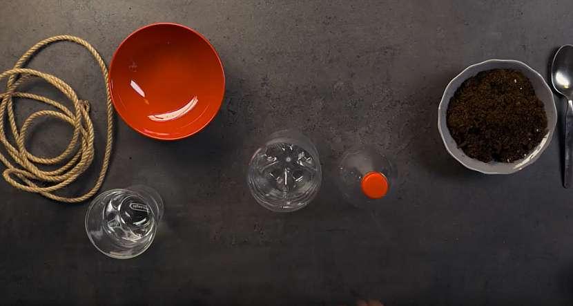 Samozavlažovací květináč: rozpulte PET lahev