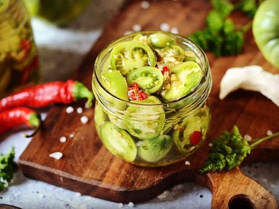 Salát ze zelených rajčat vám zachrání nedozrálou úrodu a v zimě přijde vhod (Zdroj: Depositphotos (https://cz.depositphotos.com))