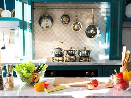 Čištění kuchyně nebude problém, pokud se budete tuto činnost provádět pravidelně (Zdroj: Depositphotos (https://cz.depositphotos.com))