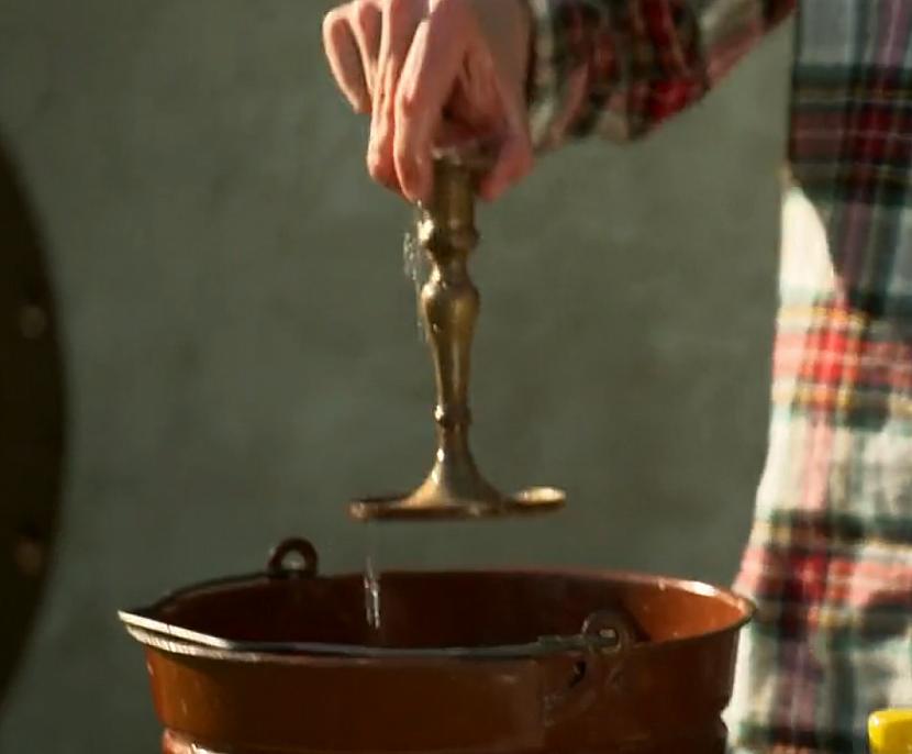 Svícen, kbelík