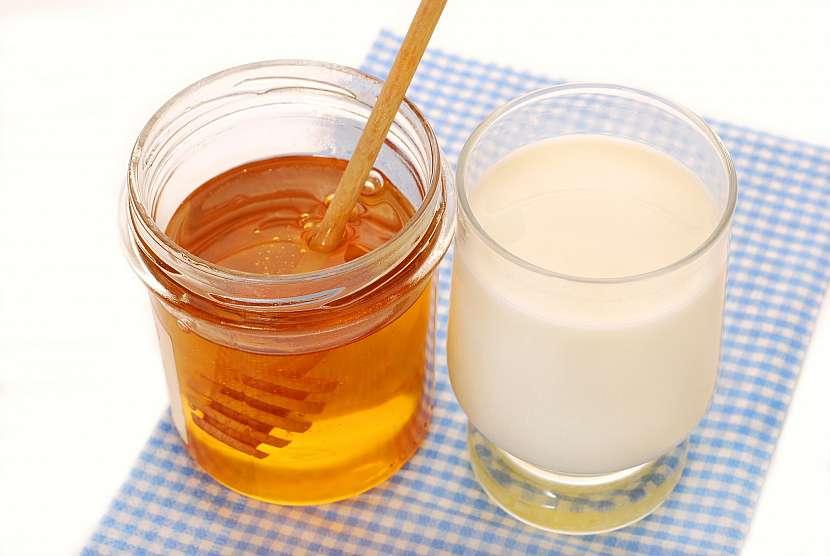 mléko s medem