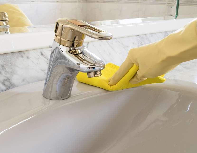 Umývání umyvadla