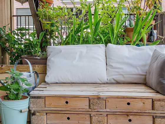 Tipy na oživení terasy a balkonu zajímavými doplňky (Zdroj: Depositphotos)