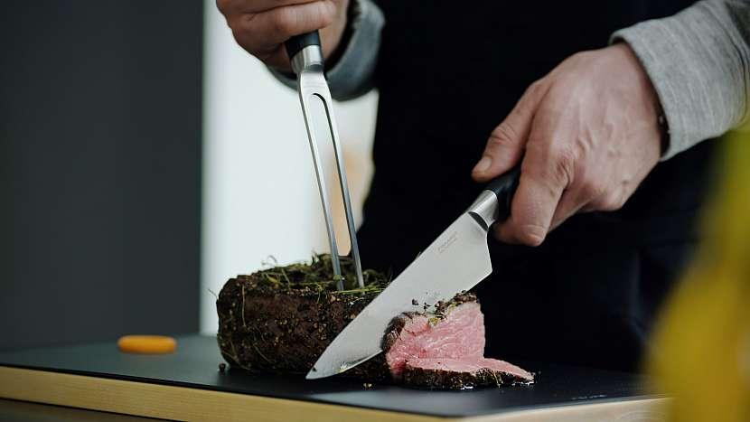 Sada na porcování Functional Form+: velký kuchařský nůž (20 cm) a porcovací vidlice
