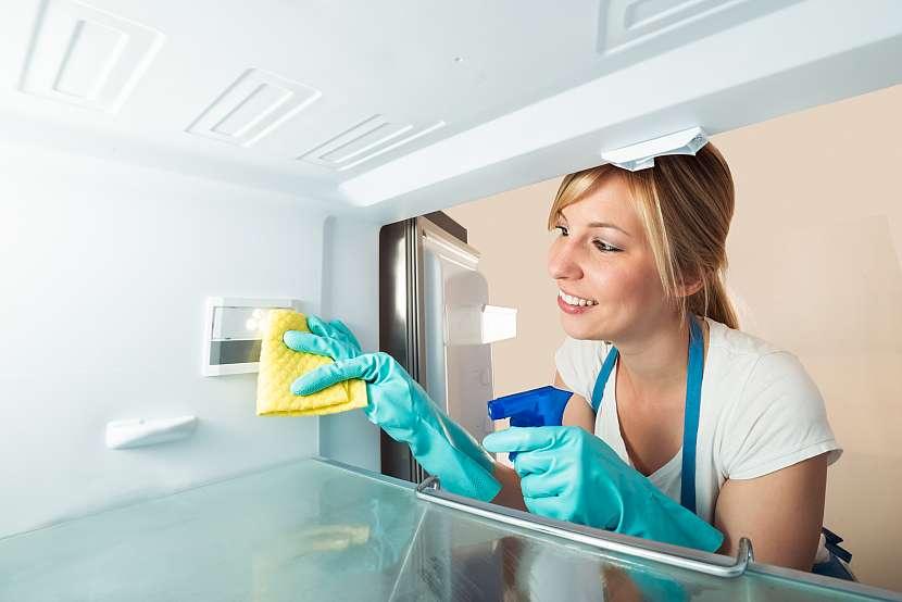 Jenom pravidelným úklidem zabráníme šíření plísní a zdraví ohrožujících bakterií