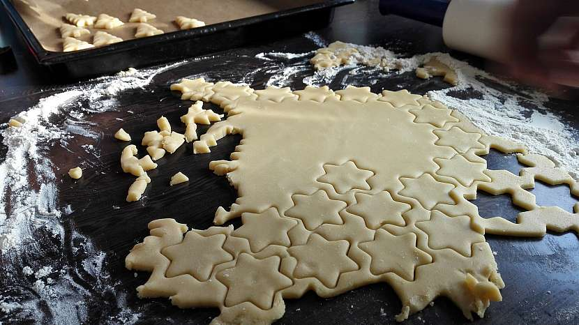 Pečení vánočního cukroví by se mělo dobře naplánovat