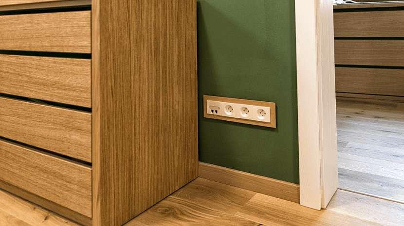 Domovní elektroinstalace: proklasické přístroje vypínačů azásuvek se nejvíce užívají krabice hluboké 30nebo 42mm