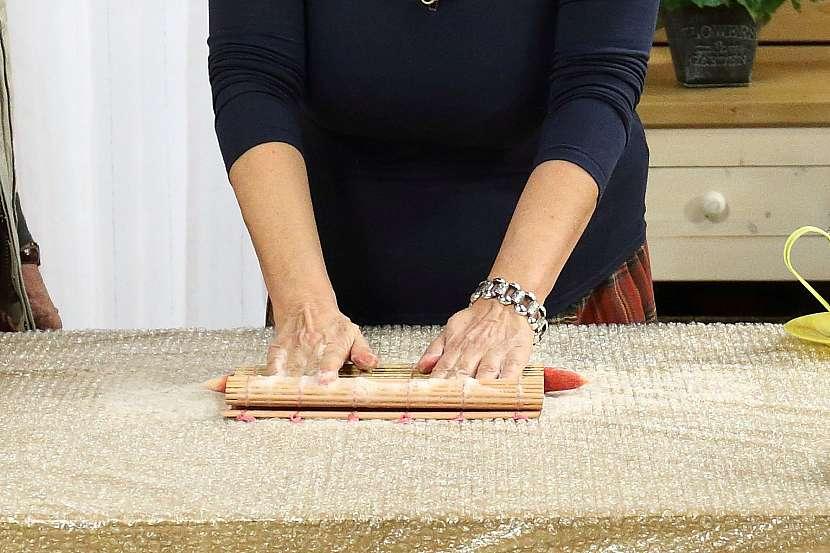 Náhrdelník z rouna: podložka na suši