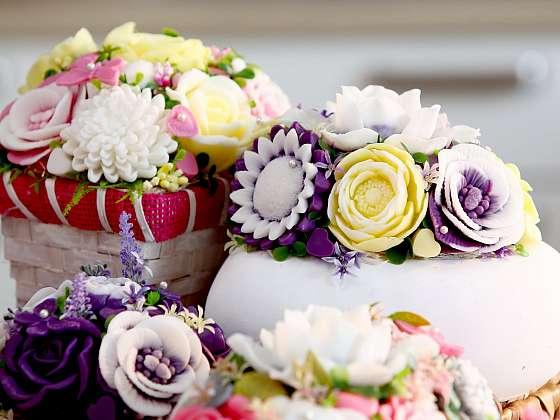 Mýdlové květiny můžeme připravit v různých barvách (Zdroj: Archiv FTV Prima)