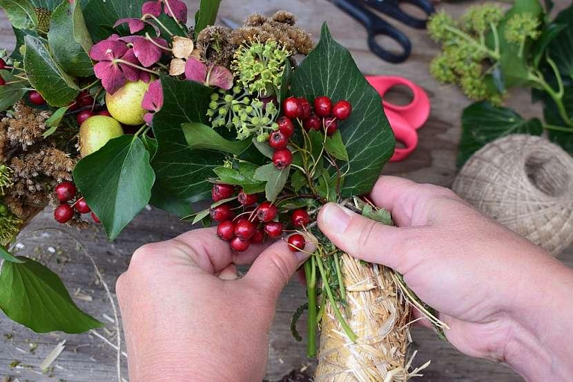 Přírodní věnec v barvách podzimu: pokračujte v navazování