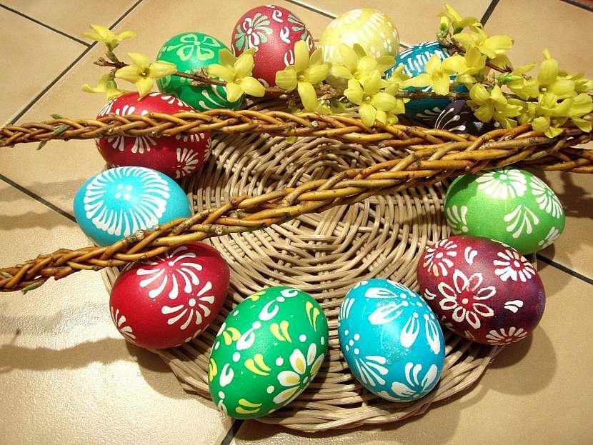 Nazdobená vajíčka připravená na koledu