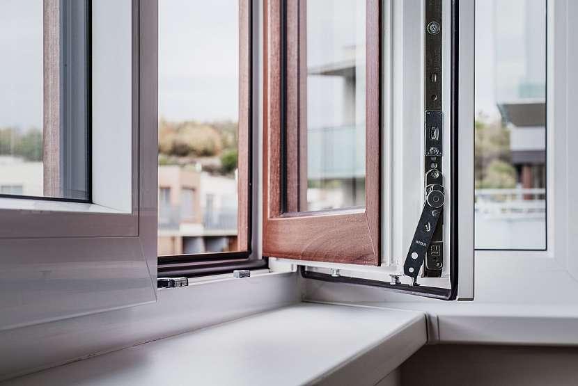 údržba kování u oken