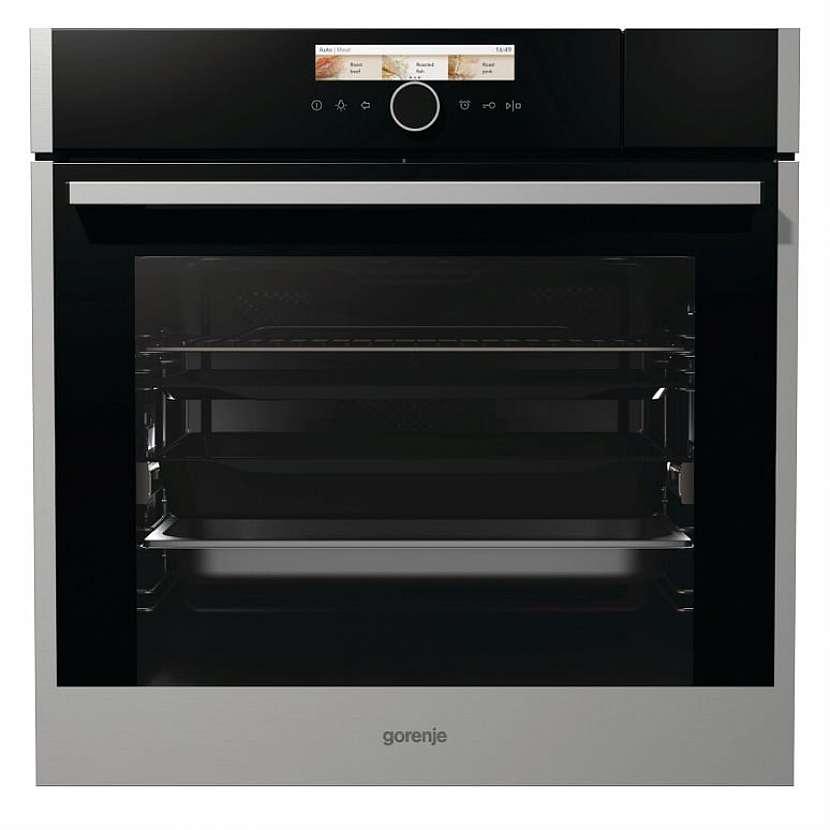 Jestli vás trouba zlobí a musíte během pečení pekáč nebo plech otáčet, možná je čas ji vyměnit za Gorenje BCS798S24X