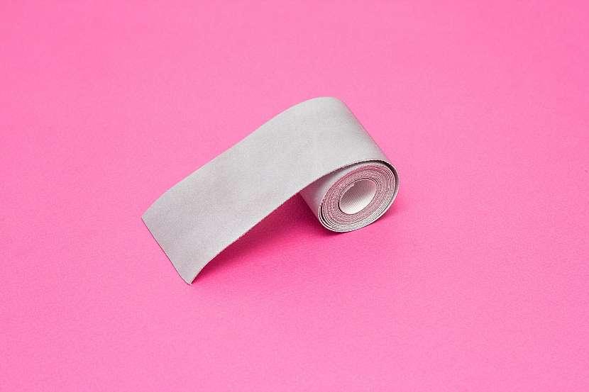 Stříbrná páska