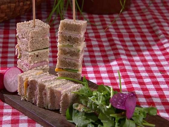 Chlebové jednohubky jsou jednoduché, a přitom je to dokonalá delikatesa (Zdroj: Prima DOMA MEDIA, s.r.o.)