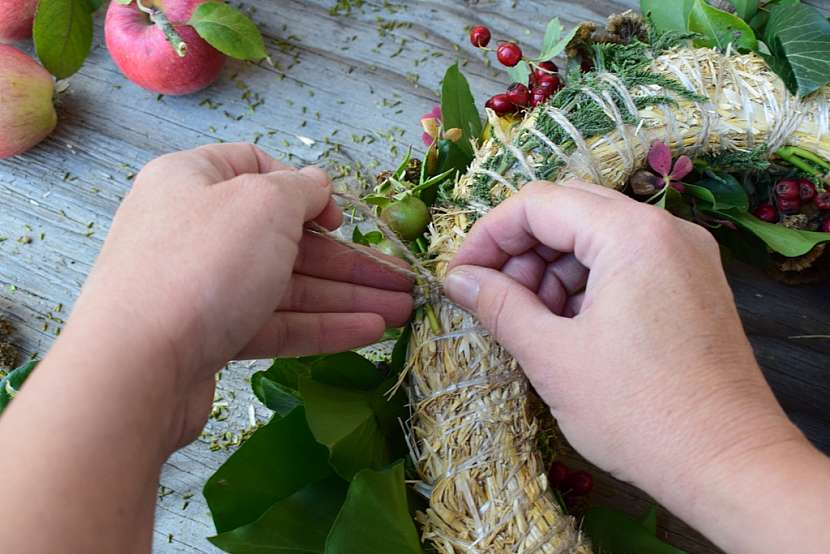 Přírodní věnec v barvách podzimu: vytvořte očko