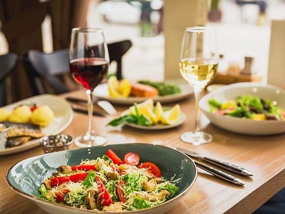 Na víně je to vždy lepší - 3 recepty pokrmů na víně (Zdroj: Depositphotos (https://cz.depositphotos.com))