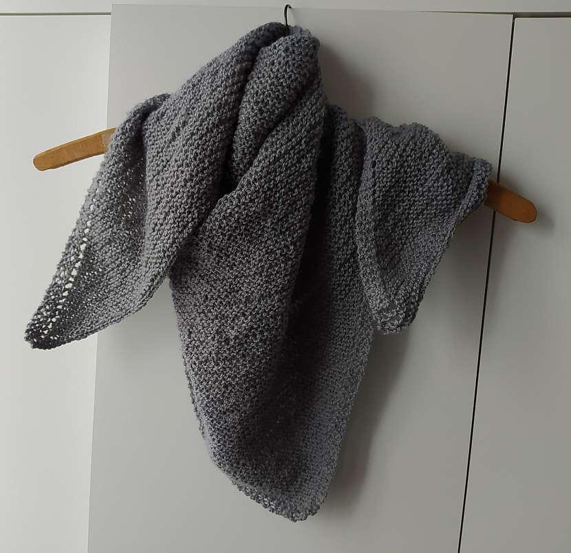 Hotový šátek