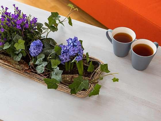 Jak si vkusně odekorovat stůl květinami? (Zdroj: Prima DOMA)