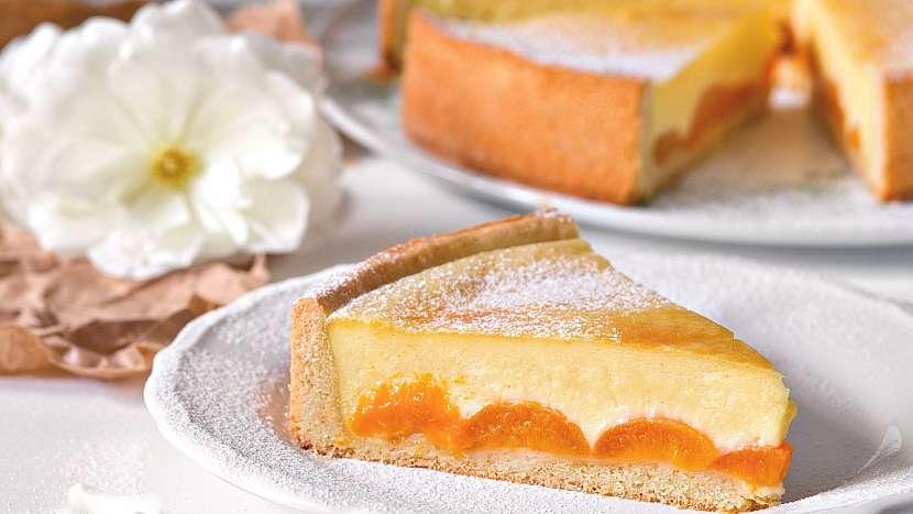 Meruňkový koláč s vanilkovou náplní