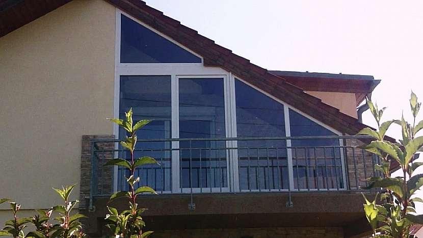 Rohová okna v několika různých atypických rozměrech a tvarech