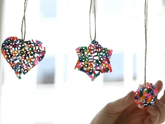Jak vyrobit barevné korálkové závěsy do okna: Roztaveno raz dva 1