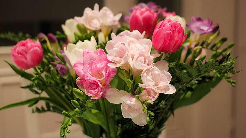 6 nečekaných důvodů, proč mít doma kytky: frézie a tulipány zvednou náladu