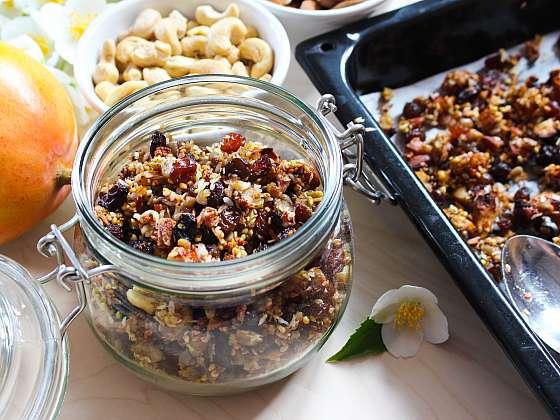 Domácí mango granola podle blogerky Live With Anny (Zdroj: MORA)
