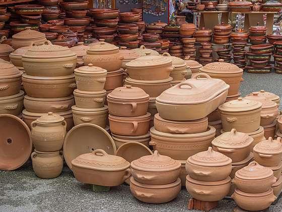 Římské hrnce poskytují snadnou a zdravou přípravu pokrmů bez tuku (Zdroj: Depositphotos (https://cz.depositphotos.com))