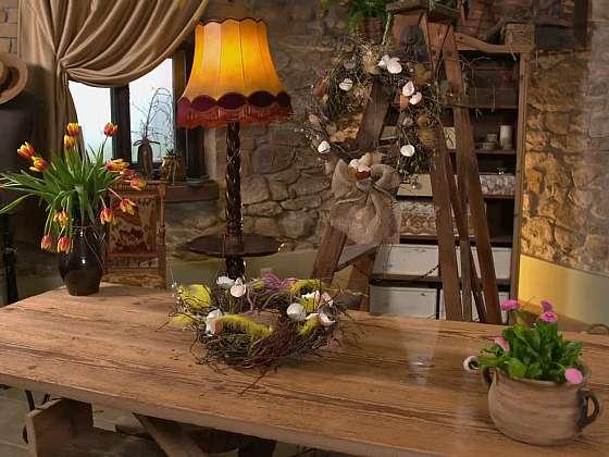 Výroba tradičního vychytaného velikonočního věnce (Zdroj: Prima DOMA)