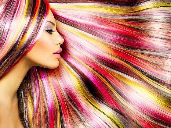 Jak a čím odstranit barvu na vlasy z pokožky? (Zdroj: Depositphotos (https://cz.depositphotos.com))