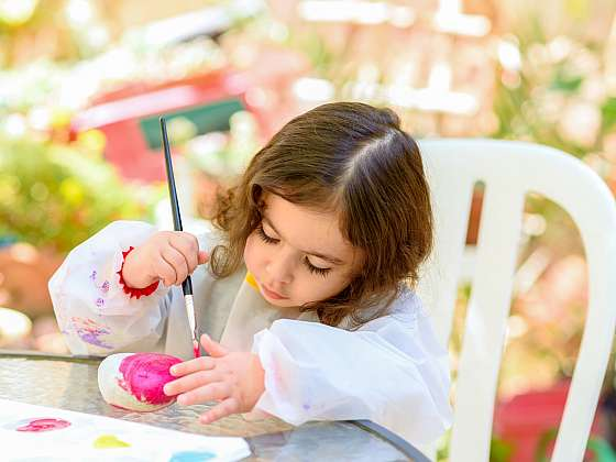 Kamínky může malovat kdokoliv, každý z nich je originálem, který potěší (Zdroj: Depositphotos (https://cz.depositphotos.com))