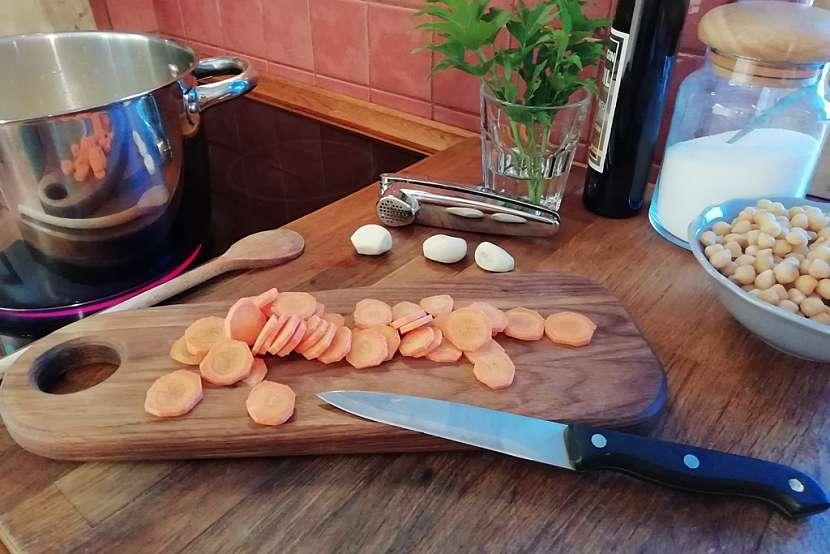 Krémová polévka z dýně Hokkaido: mixujte a přidejte mrkev