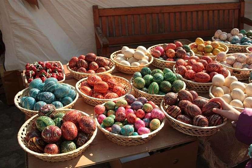 Ukázky tradičních velikonočních kraslic