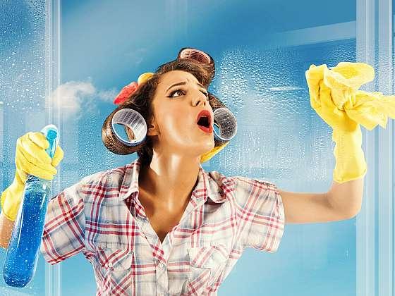 Čisté sprchové sklo skutečně existuje, nenajdete ho pouze v pohádkách. A my vám prozradíme, jak toho docílíte i ve své vlastní koupelně (Zdroj: Depositphotos (https://cz.depositphotos.com))