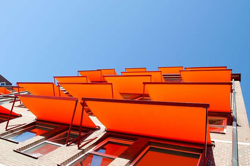 Oranžové předokenní rolety